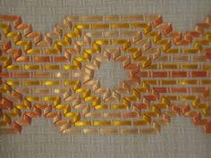 Resultado de imagem para vagonite de fita Swedish Embroidery, Ribbon Embroidery Tutorial, Swedish Weaving, Ribbon Work, Bargello, Fabric Flowers, Hand Sewing, Tatting, Needlework