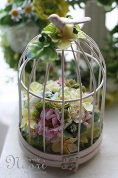 鳥かご イエローとグリーンの紫陽花