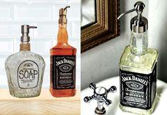 aus Wasserflasche einen originellen Seifespender basteln ähnliche tolle Projekte und Ideen wie im Bild vorgestellt findest du auch in unserem Magazin