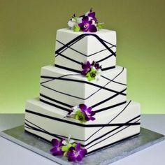 wedding cake Okay, so I'm not a wedding freak, but I do love Cake Boss. And I do also LOVE this cake. Bow Wedding Cakes, Square Wedding Cakes, Square Cakes, Wedding Cake Designs, Gorgeous Cakes, Pretty Cakes, Amazing Cakes, Fondant Cakes, Cupcake Cakes