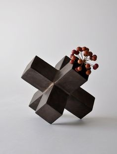 keiichi tanaka, flower vase.