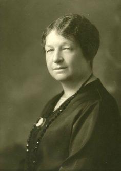 Marie Gérin-Lajoie (née Lacoste) en 1928.  Militante pour le droit de vote des femmes, cofondatrice de la Fédération nationale Saint-Jean-Baptiste en 1907 et présidente de 1913 à 1933.
