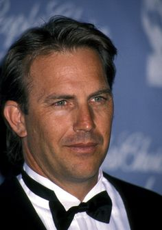Kevin Costner during Annual People's Choice Awards at Universal Studios in Universal City California United States Kevin Costner, Good Looking Actors, Good Looking Men, Hot Actors, Actors & Actresses, Boy Celebrities, Celebs, Actor Model, Famous Faces