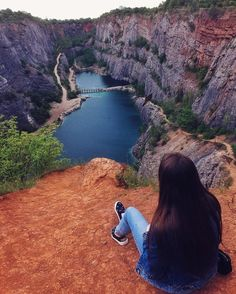 205 отметок «Нравится», 7 комментариев — Ira Grazhdankina (@i.gra) в Instagram: «That view🙌🌧💙 Unplanned trips are always the best!🏞»