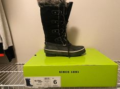 New- Western Chief snow boot similar to Sorel Joan of the arctic boot Size 6 Snow Boots, Winter Boots, Sorel Boots, Arctic, Westerns, Shoes, Snow Boots Outfit, Zapatos, Snow Boot