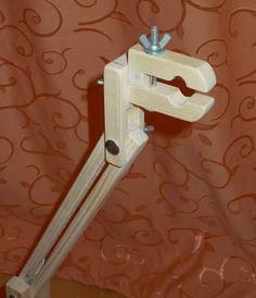 Универсальный станок для вышивания: Настольные станки Diy Tripod, Hand Embroidery Stitches, Dremel, Can Opener, Door Handles, Diy And Crafts, Workshop, Gadgets, Woodworking