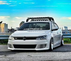 Gotta get me a roof rack like dees Volkswagen Models, Volkswagen Jetta, Jetta Wagon, Car Goals, Roof Rack, Car Stickers, Cars And Motorcycles, Dream Cars, Audi