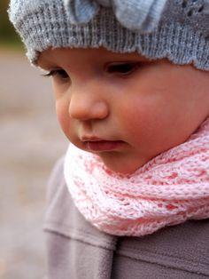 Life with Mari: Vaaleanpunainen tuubihuivi Knit Crochet, Crochet Hats, Sewing, Knitting, Life, Knitting Hats, Dressmaking, Couture, Tricot