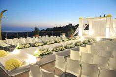 במת חופה והשביל המוביל אליה מהווה חלק בלתי נפרד מתכנון/עיצוב חתונה http://www.kstisrael.co.il/Construction4
