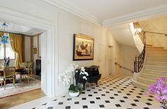 Hotel particulier de prestige construit par architecte de renom à Neuilly sur Seine, 6 chambres, piscine interieure - Barnes  http://www.barnes-international.com/vente/hotel-particulier-neuilly-saint-james/M5487/M-5487.html#  #Immobilier #Luxe