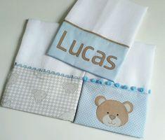 Kit de fraldinhas- chuva de amor Kit composto por 4 fraldinhas de boca. Ideal para a higienização do bebê. Confeccionadas com fraldas de qualidade e tecido 100% algodão