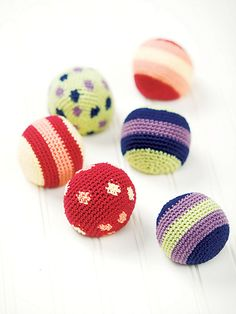 Ravelry: Juggling Balls pattern by Robyn Chachula. Pattern published in Crochet Today! Aug/Sept. 2006.