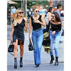 Kendall and Gigi's Off-Duty Model Style Is So '90s ❤ liked on Polyvore featuring photos, celebrities, friends and pictures