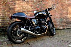 Triumph Bonneville Black Prince