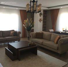 Sıcak renklerde, stil sahibi ve şık. Beautiful Dining Rooms, Elegant Living Room, Drawing Room Furniture, Furniture Sets, White Wall Decor, Living Room Decor, Living Rooms, Dining Room Design, Room Set