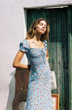 faithfull the brand castilo jasmin midi floral dress Floral Midi Dress, Boho Dress, Dress Up, Summer Floral Dress, Vintage Summer Dresses, Tropical Dress, Chic Dress, Spring Dresses, Elegant Dresses