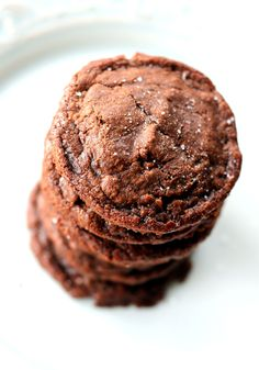 Easy 5-Ingredient Fudgy Nutella Cookies with Sea Salt - used GF flour and 1/2 tsp of xanthan gum.