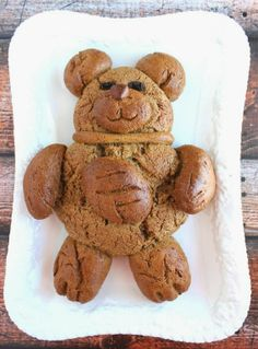 Brown Bear Pumpernickel Bread - Kudos Kitchen by Renée Food Humor, Funny Food, Bread Machine Recipes, Bread Recipes, Toddler Menu, Beach Ball Cake, Our Daily Bread, Edible Food, How To Eat Better