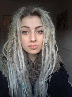 silver/white dreads