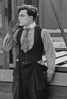an-unconventional-lady  Buster Keaton searches for Sybil Seely in One Week (1920)