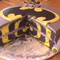 Batman!!! I have to make this for my husband!