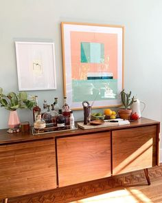 Living Room Decor, Living Spaces, Bedroom Decor, Credenza Decor, Dining Room Sideboard, Decoration Buffet, Home And Living, Room Inspiration, Furniture Design