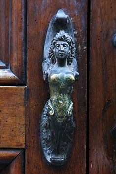 The Door Knobs of Italy | by peace-on-earth.org  Via dei Servi, Firenze