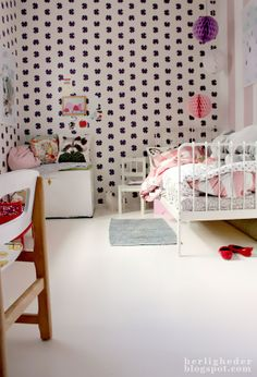 10 GIRLS ROOM