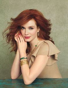 style icon Christina Hendricks does it again..so classic and pretty. I want the whole outfit and accessories