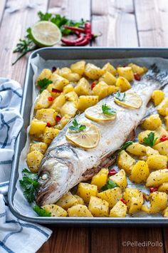 Gustoso #branzino cotto al forno con le #patate semplicissimo e leggero #ricette #pesce #spigola #pescealforno #ricettelight