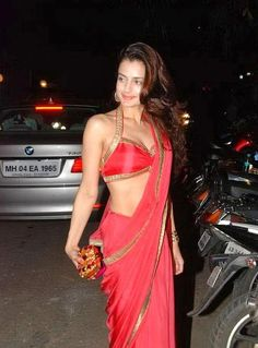 Ameesha Patel Hot Still in Sarry #FoundPix #AmeeshaPatel #Bollywood