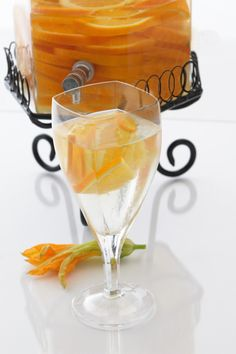 Orange Spice Splash Spa Water. Spring water, 1 t fresh ginger paste (found in produce section of most markets), 3-4 sliced oranges, & ice. Fill pitcher with ice and orange slices (alternate), mix water and ginger paste & add to pitcher, pour spa water into glasses and accent with orange slices.