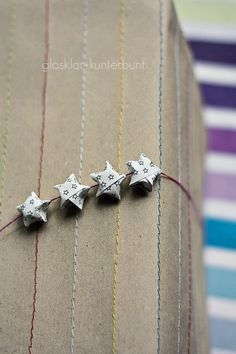 Gift Wrapping Inspiration : origami stars on sewed brown paper Simple Gifts, Cool Gifts, Best Gifts, Unique Gifts, Paper Gifts, Diy Paper, Star Gift, Little Presents, Origami Stars