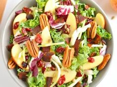 This Apple Bacon Pecan Salad with homemade apple cider vinegar dressing is loaded with fall flavors! A healthy salad that's perfectly sweet & salty. Gluten Free + Low Calorie + Paleo For the recipe,. Healthy Gluten Free Recipes, Allergy Free Recipes, Healthy Salad Recipes, Lunch Recipes, Fall Recipes, Whole Food Recipes, Healthy Low Calorie Meals, Low Calorie Recipes, Homemade Apple Cider