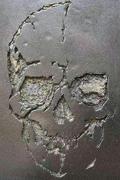 skull carved out of concrete, graffiti art, street art. Skull Decor, Skull Art, Symbole Tattoo, Bar Deco, Tattoo Motive, Tattoo Symbols, Images Wallpaper, Human Skull, Skull Design