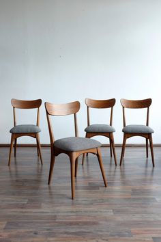 Set of 4 Danish Style Dining Chairs – Renové