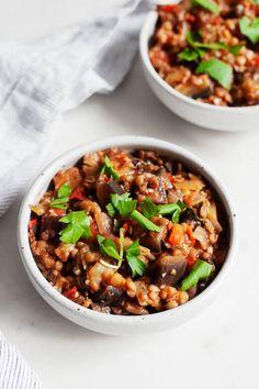 Stewed Eggplant Tomato Lentils Lentil Dishes, Lentil Stew, Vegan Dishes, Vegan Soups, Vegan Meals, Lentil Recipes, Vegetable Recipes, Healthy Recipes, Snacks Recipes