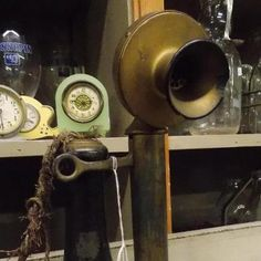 (1) Olde Crow Antiques & Primitives
