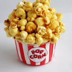 "I like the idea of using marshmellows as the ""popcorn"" on cupcakes, but this could be fun to. Caramel popcorn on top- its like two desserts in one! Popcorn Cupcakes, Fun Cupcakes, Cupcake Cookies, Movie Cupcakes, Cupcake Cupcake, Themed Cupcakes, Cupcake Wrappers, Cupcake Recipes, Dessert Recipes"