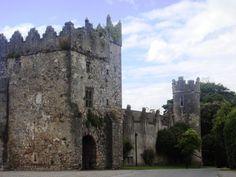 Castles in Dublin - Howth Castle