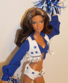 She's so pretty, her make up, everything :) Vintage Barbie Kleidung, Vintage Barbie Clothes, African American Dolls, Black Barbie, Barbie Collector, Barbie Friends, Black Is Beautiful, Dallas Cowboys, Beautiful Dolls