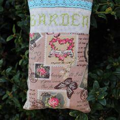 Grand sac de 100 % lavande garden brodé main en vert et dentelle turquoise