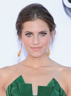 Now Here's Some Stunning Emmys Makeup You Can Actually Wear In Real Life! (On The Adorable Allison Williams Of Girls)
