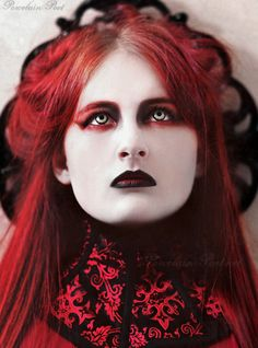 Porcelain Poet showing off her #Goth make-up skills. Nice contacts as well!