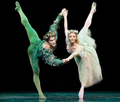 Steven McRae and Alina Cojocaru in The Royal Ballet's 'The Dream'. Photo by Johan Persson.
