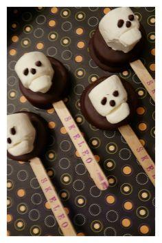 *Jennuine by Rook No. 17*: Skeleos ~ Chocolate Dipped Skeleton Oreos (on a stick!)