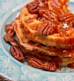 This Banana Nut Chaffle Recipe is one of the best Dessert Chaffle Recipes I've ever tried! It's amazing! There are a few secret ingredients you need to get to make this low carb though! Keto Foods, Keto Snacks, Snack Recipes, Dessert Recipes, Waffle Recipes, Drink Recipes, Bread Recipes, Cookie Recipes, Keto Friendly Desserts