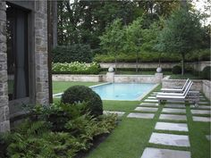 Yet another lovely pool surrounded by grass. Love it. Backyard Pool Landscaping, Backyard Fences, Garden Pool, Steep Backyard, Backyard Layout, Luxury Landscaping, Outdoor Rooms, Outdoor Gardens, Outdoor Living