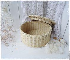"""Купить Плетеная шкатулка с ручной вышивкой """"Роза"""" - плетеная круглая шкатулка, шкатулка с вышивкой"""