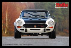 Auto Italia is the World's leading English language, Italian car magazine. Fiat 124 Spider, Fiat Abarth, Car Magazine, Spiders, Cars And Motorcycles, Vintage Cars, Racing, Sport, Classic